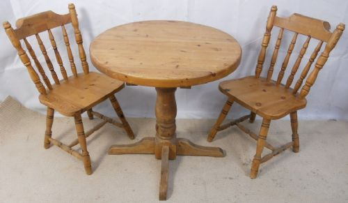 Country Pine Round Tripod Breakfast Table